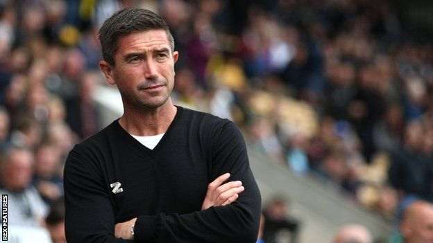 This image has an empty alt attribute; its file name is 113777083_harry_kewell1.jpg