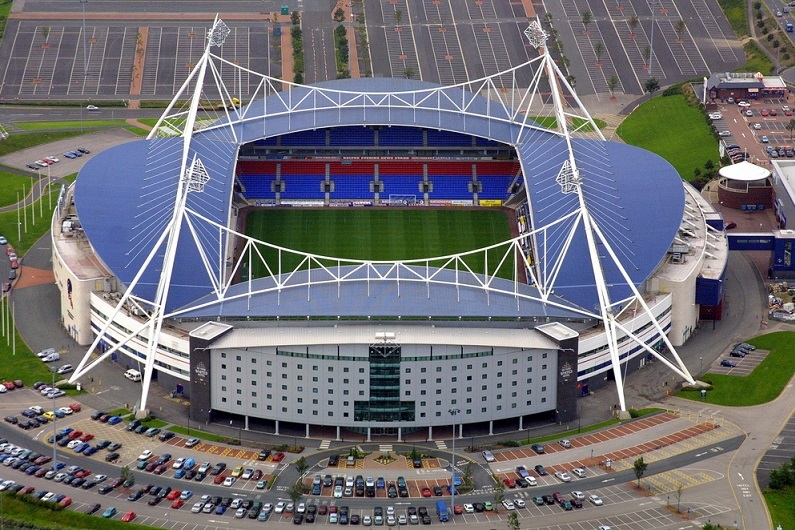 This image has an empty alt attribute; its file name is bolton-wanderers-stadium.jpg